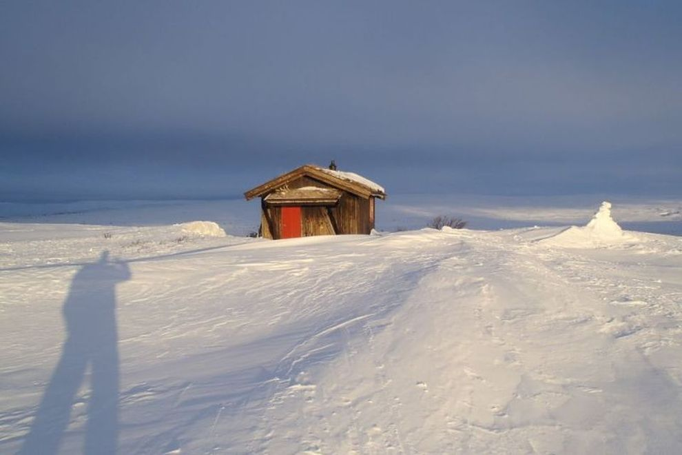 Backcountry Ski Trekking: Accomodation in a hunters' cabin (picture)